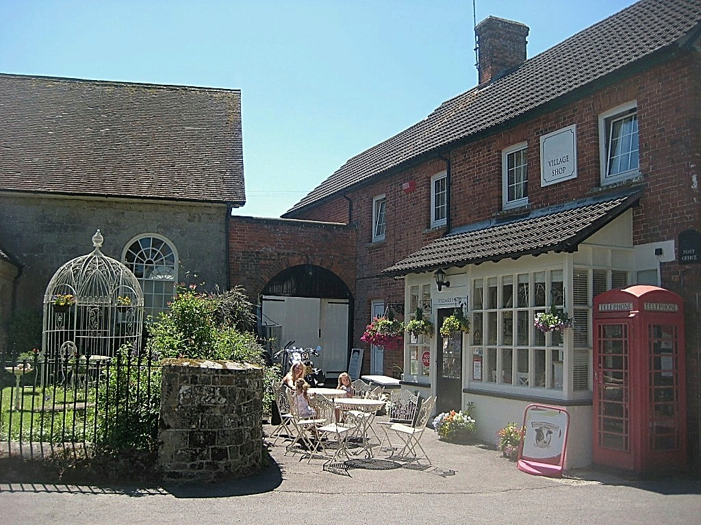 Fontmell Magna Village Shop & Post Office – Dorset