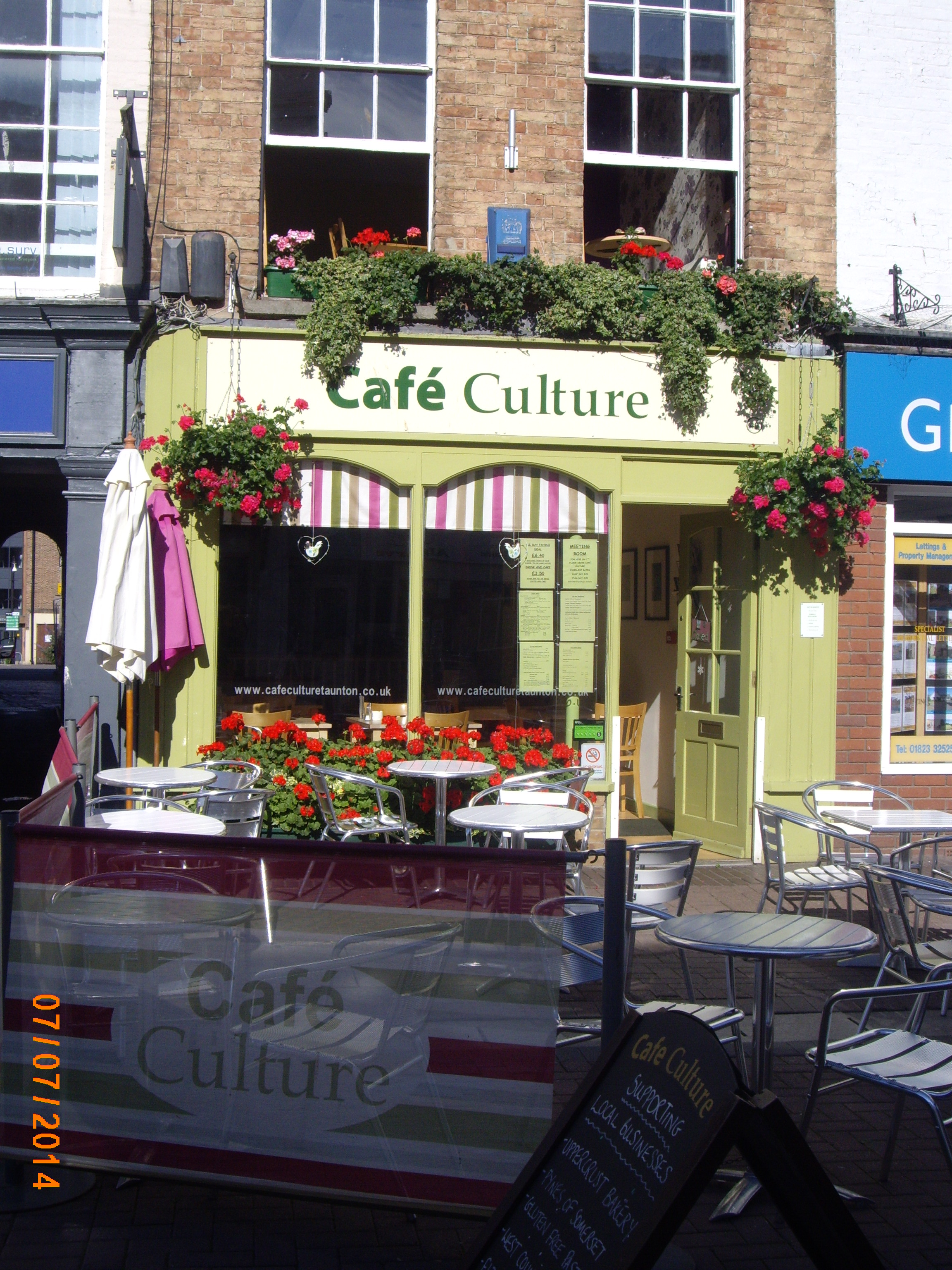 Cafe Culture, High Street, Taunton.